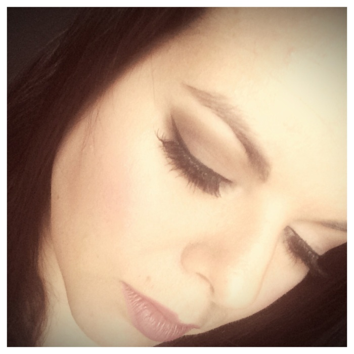 Adele Inspired Winged Eyeliner